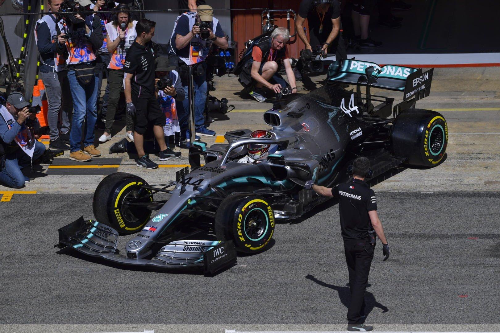 Mercedes y Hamilton siempre favoritos