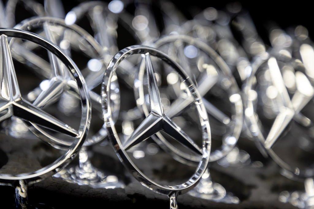 Daimler estudia reducir 15.000 puestos de trabajo