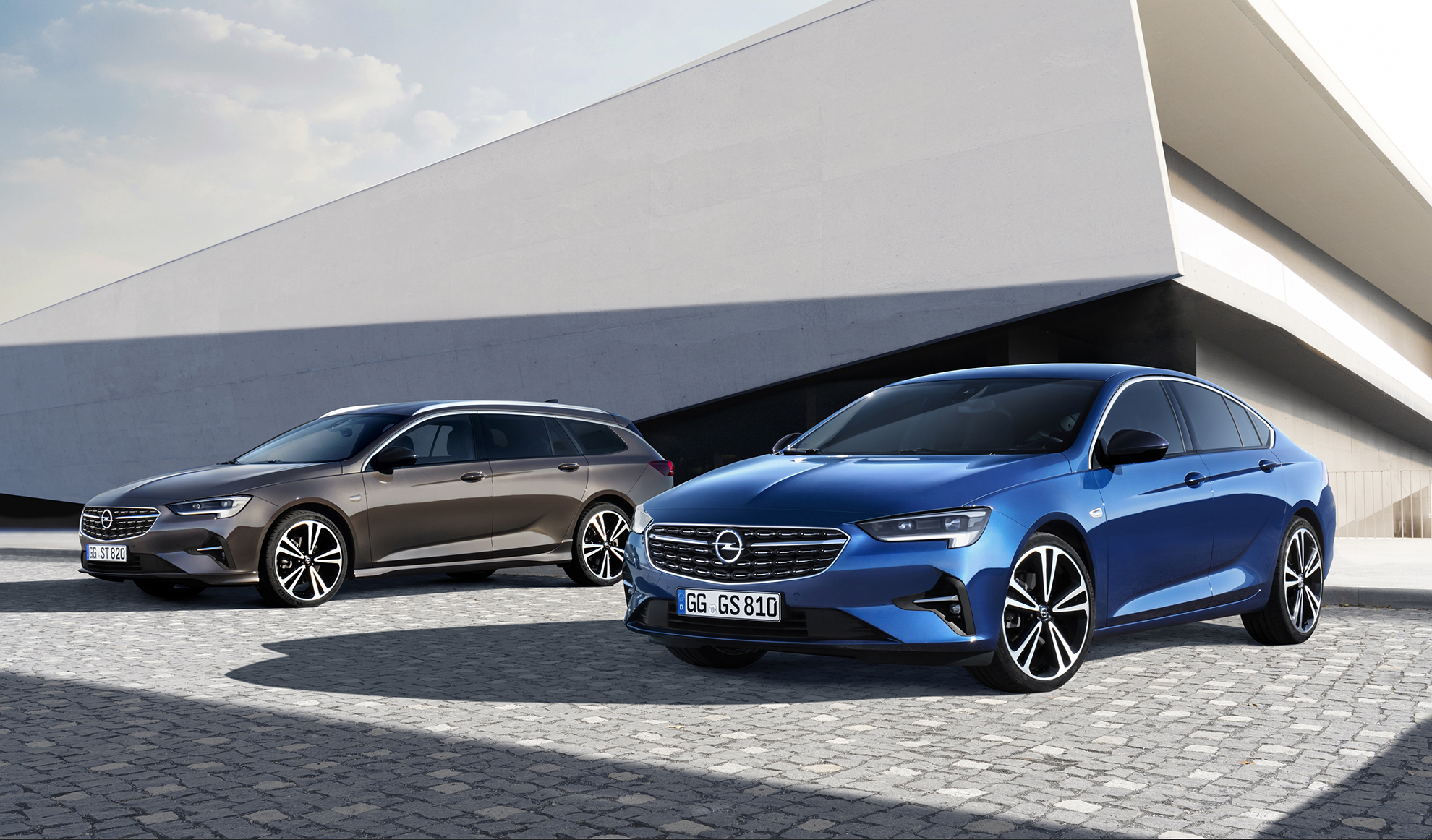 El Opel Insignia llega con dos carrocería distintas