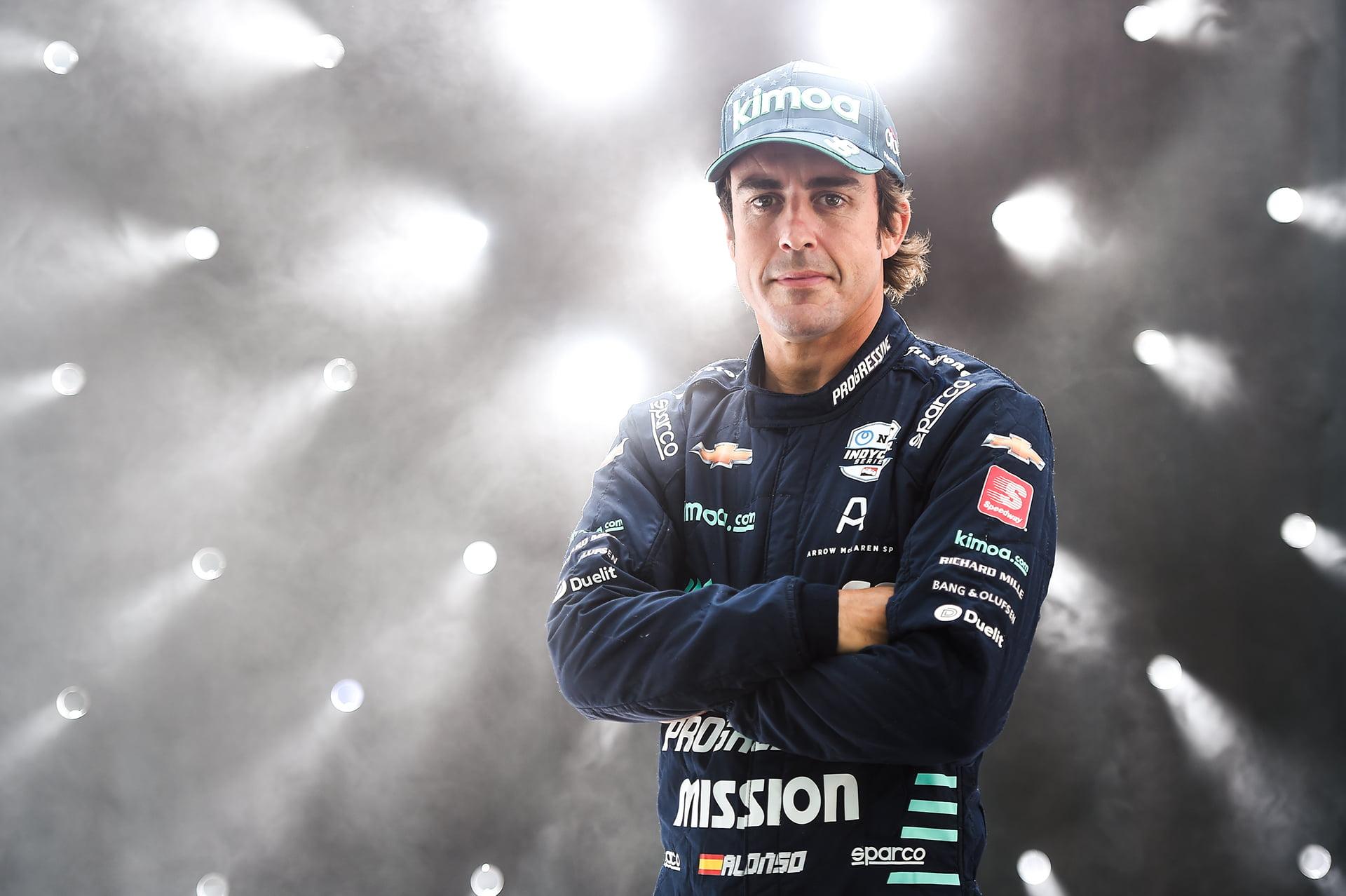 Alonso deberá olvidar las distracciones en Renault F1