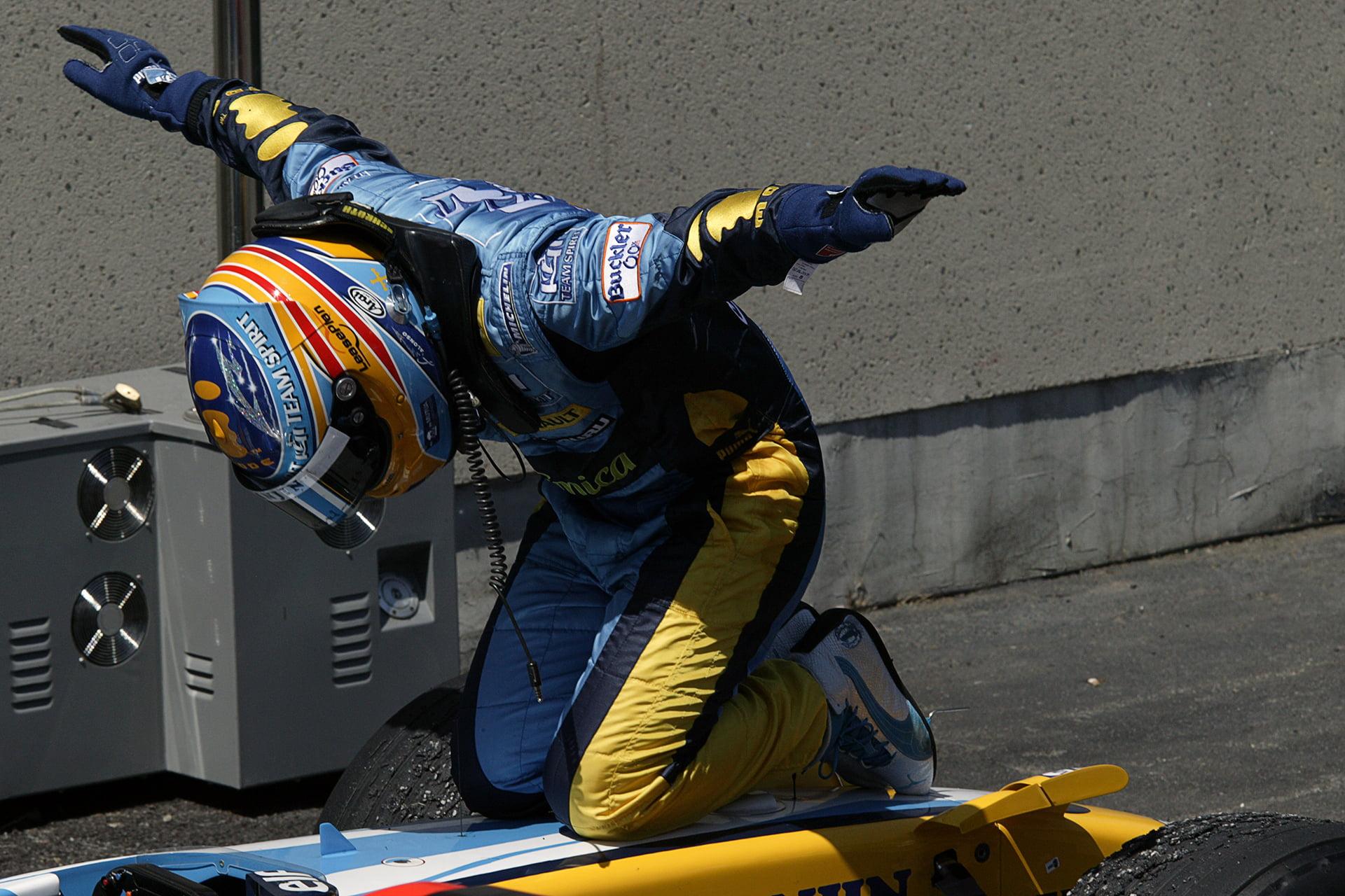 Fernando Alonso en una imagen histórica con Renault en la F1.