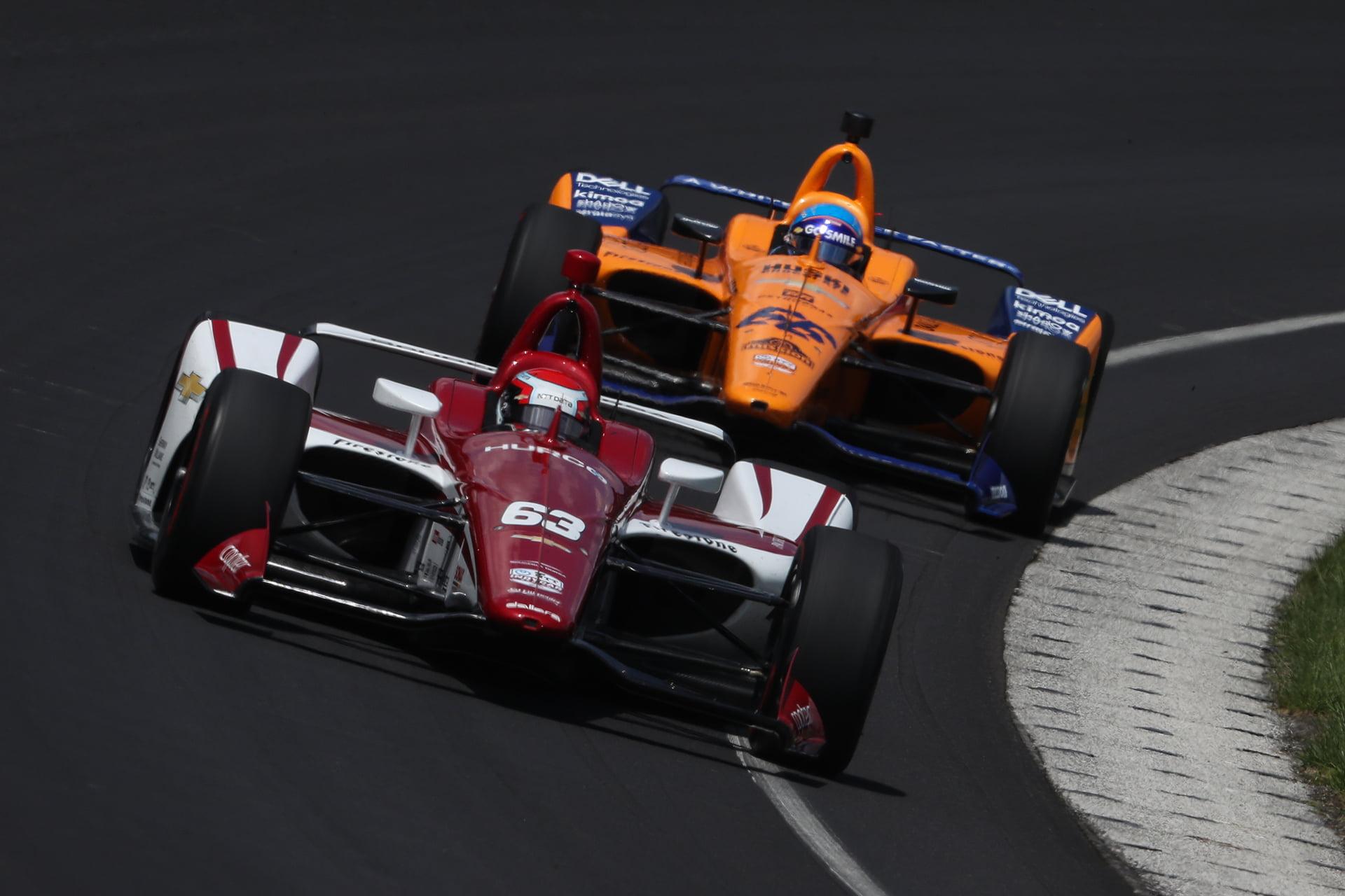Alonso no pudo clasificarse para las 500 Millas el pasado año
