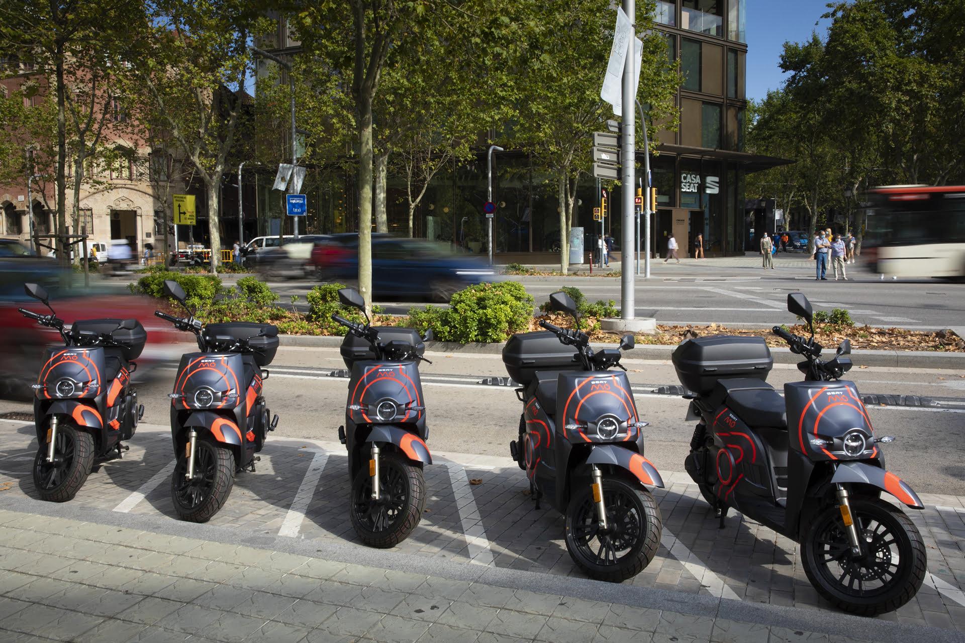 SEAT MÓ higieniza todos sus eScooters en Barcelona.