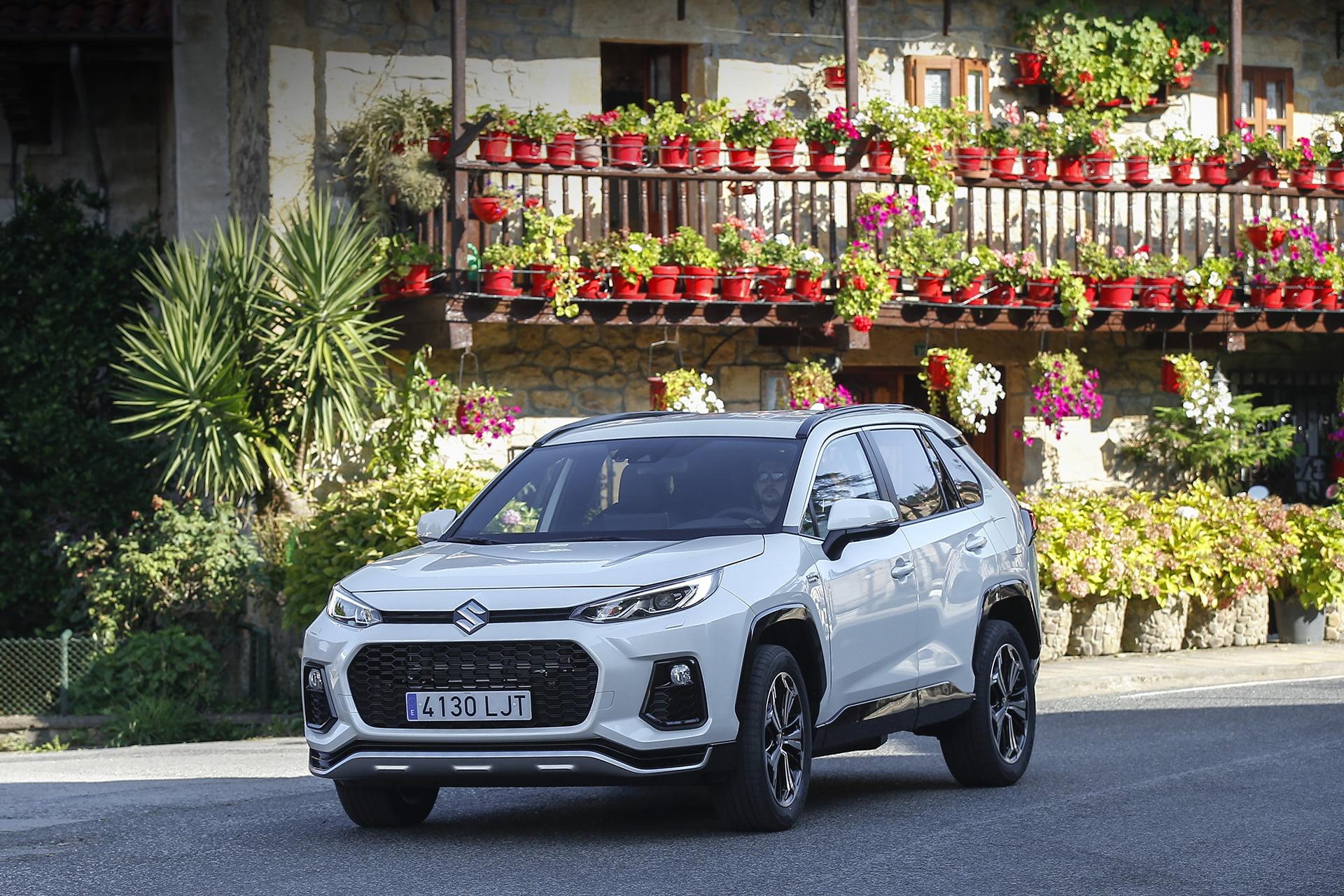 ACROSS, el nuevo SUV híbrido de Suzuki