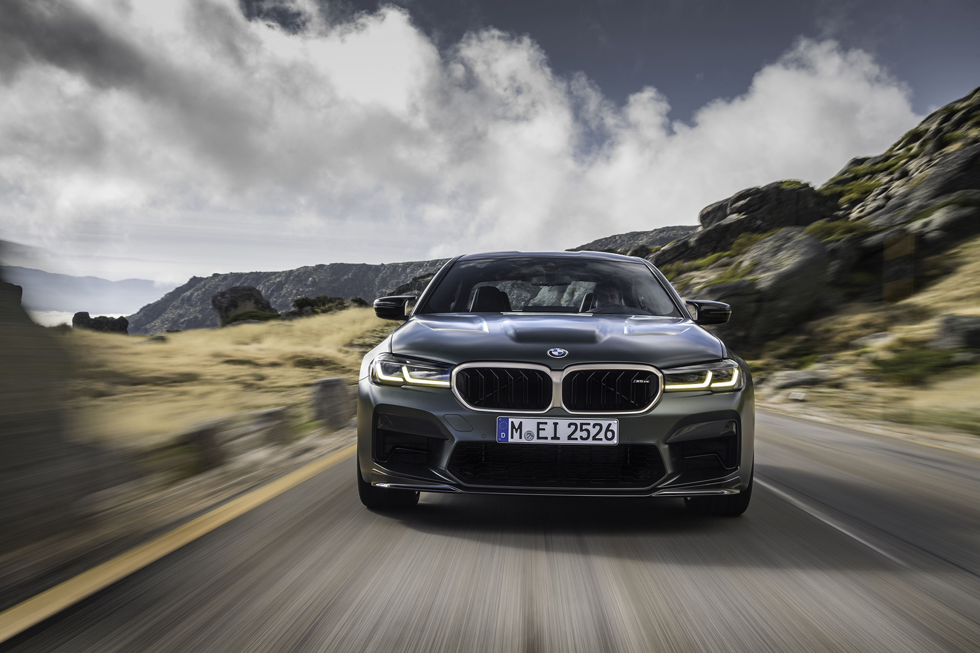 El BMW M5 CS es el modelo más potente en toda la historia de los creados por el departamento M de la marca alemana.