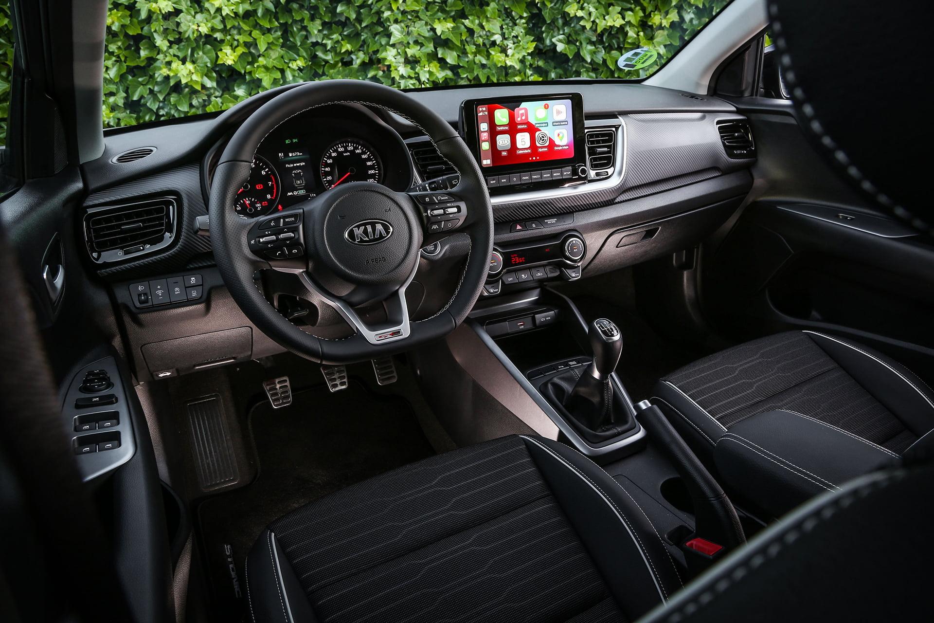 El interior del Kia Stonic es muy amplio y equipado.