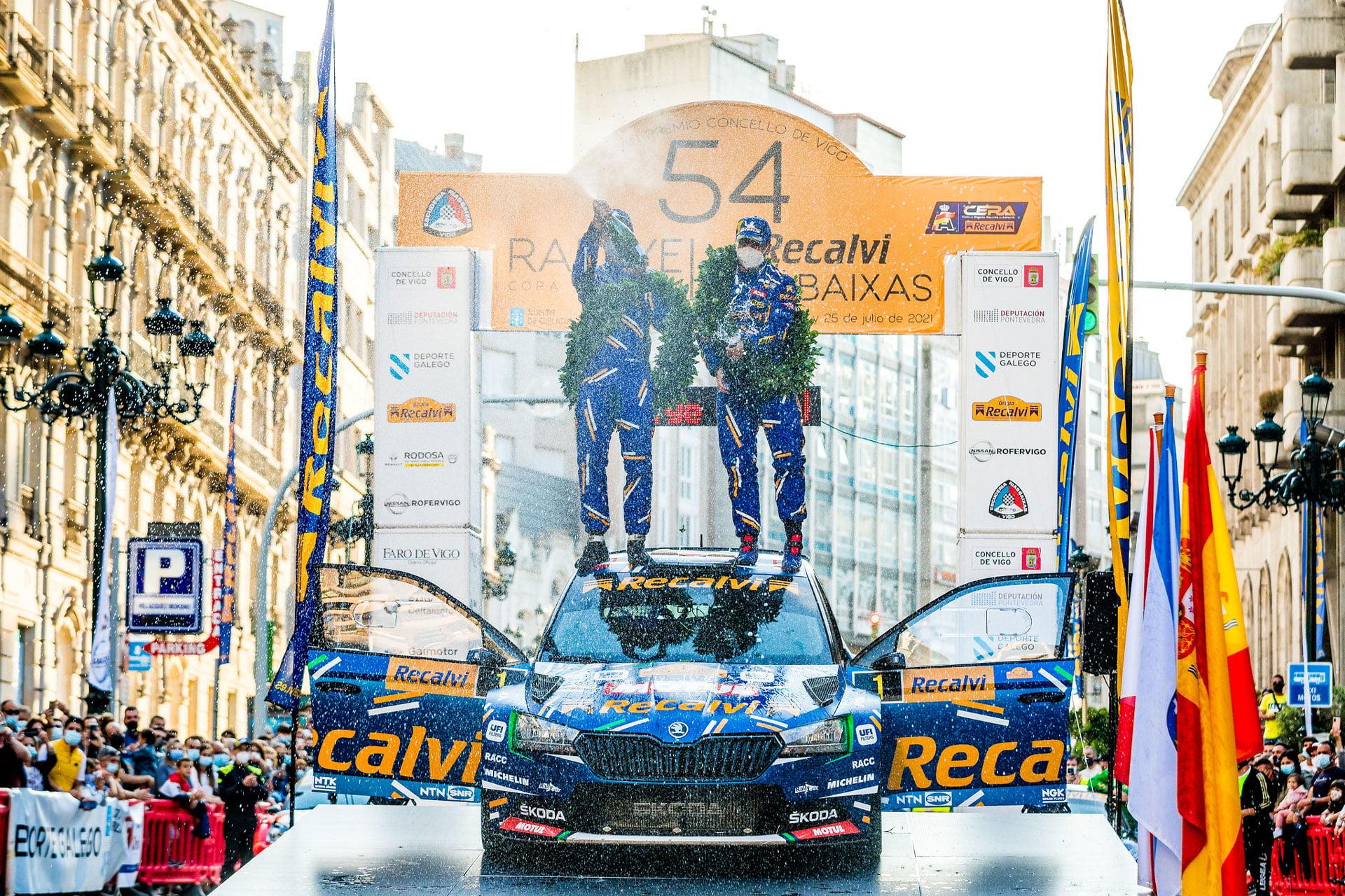 """El esperado Rallye Rias Baixas 2021 tuvo en """"Cohete"""" Suárez a un dominador absoluto de la prueba."""