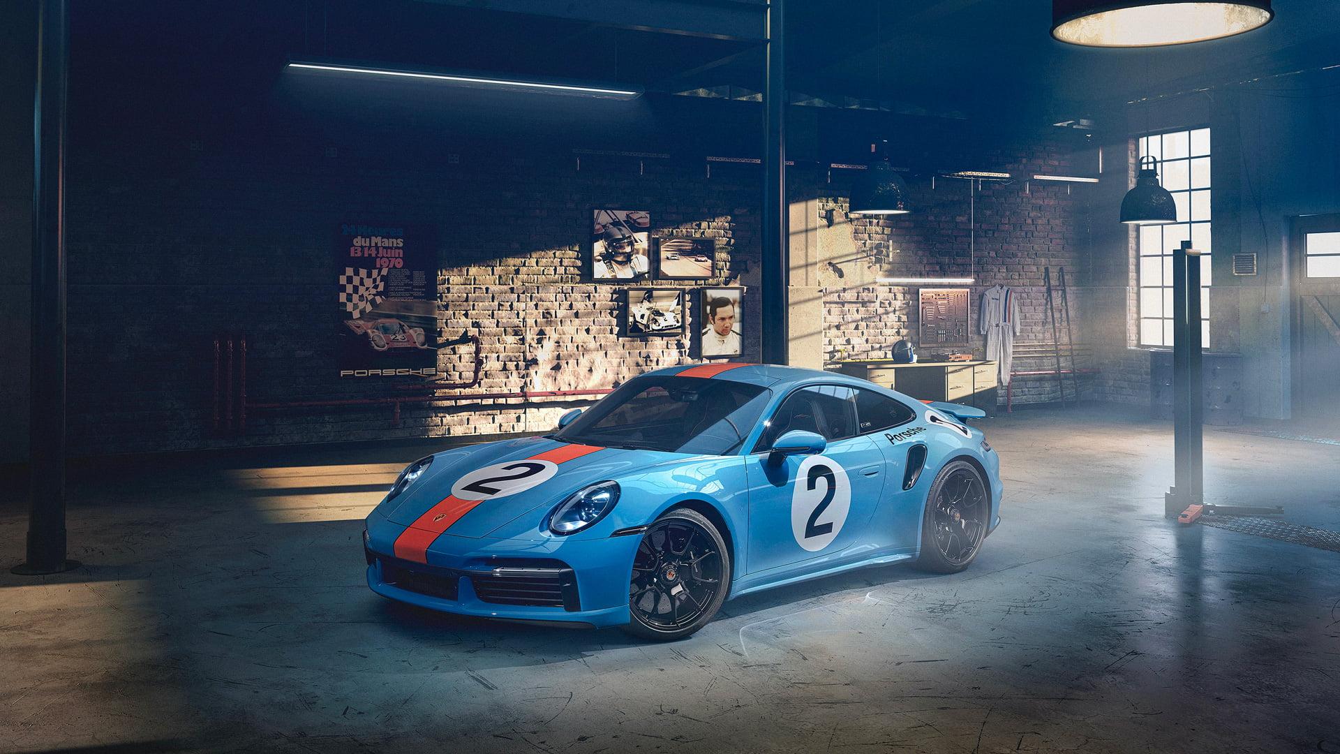 Un Porsche 911 Turbo S Pedro Rodriguez en recuerdo al piloto mexicano ha sido creado en exclusiva por la marca.