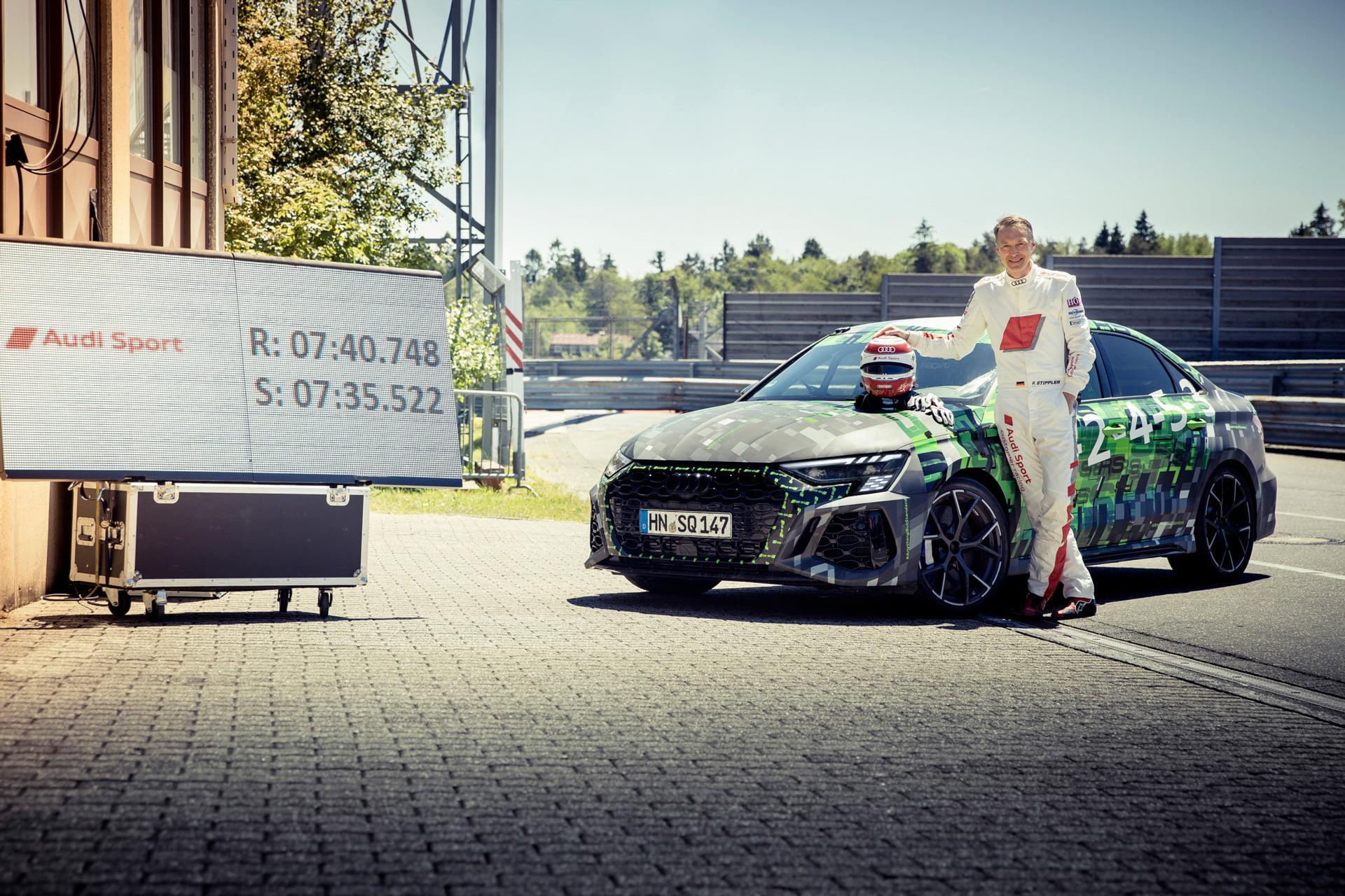 Frank Stippler, piloto de carreras y probador de Audi Sport estuvo al volante para conseguir el récord con el nuevo Audi RS 3