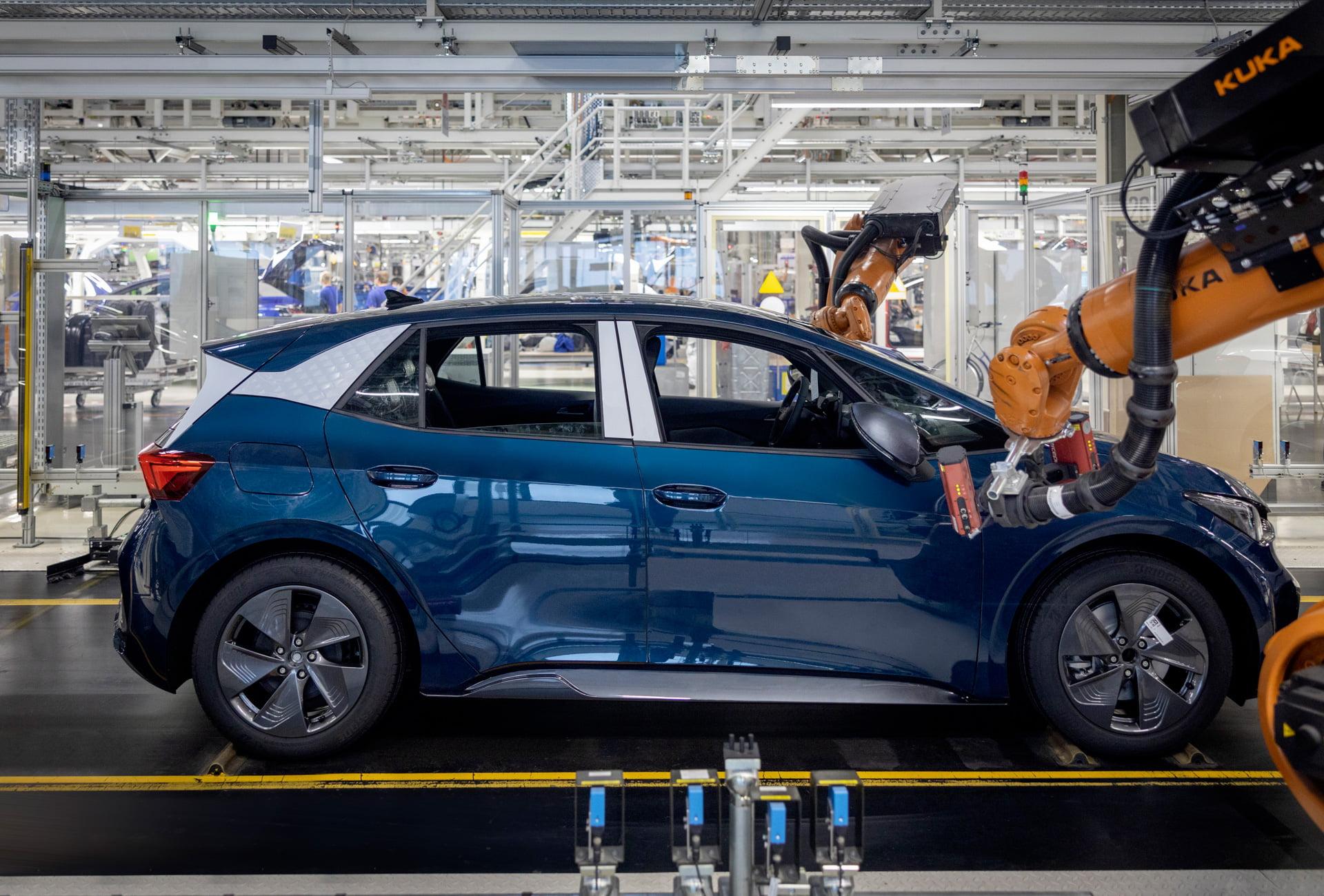 CUPRA comienza la producción en serie de su primer coche 100% eléctrico, el CUPRA Born, en la planta de Zwickau